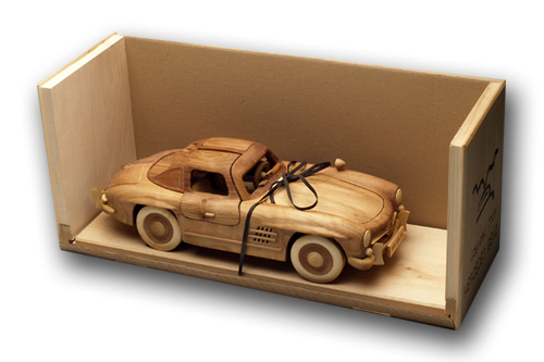 Mercedes 300SL Modellauto in Holz