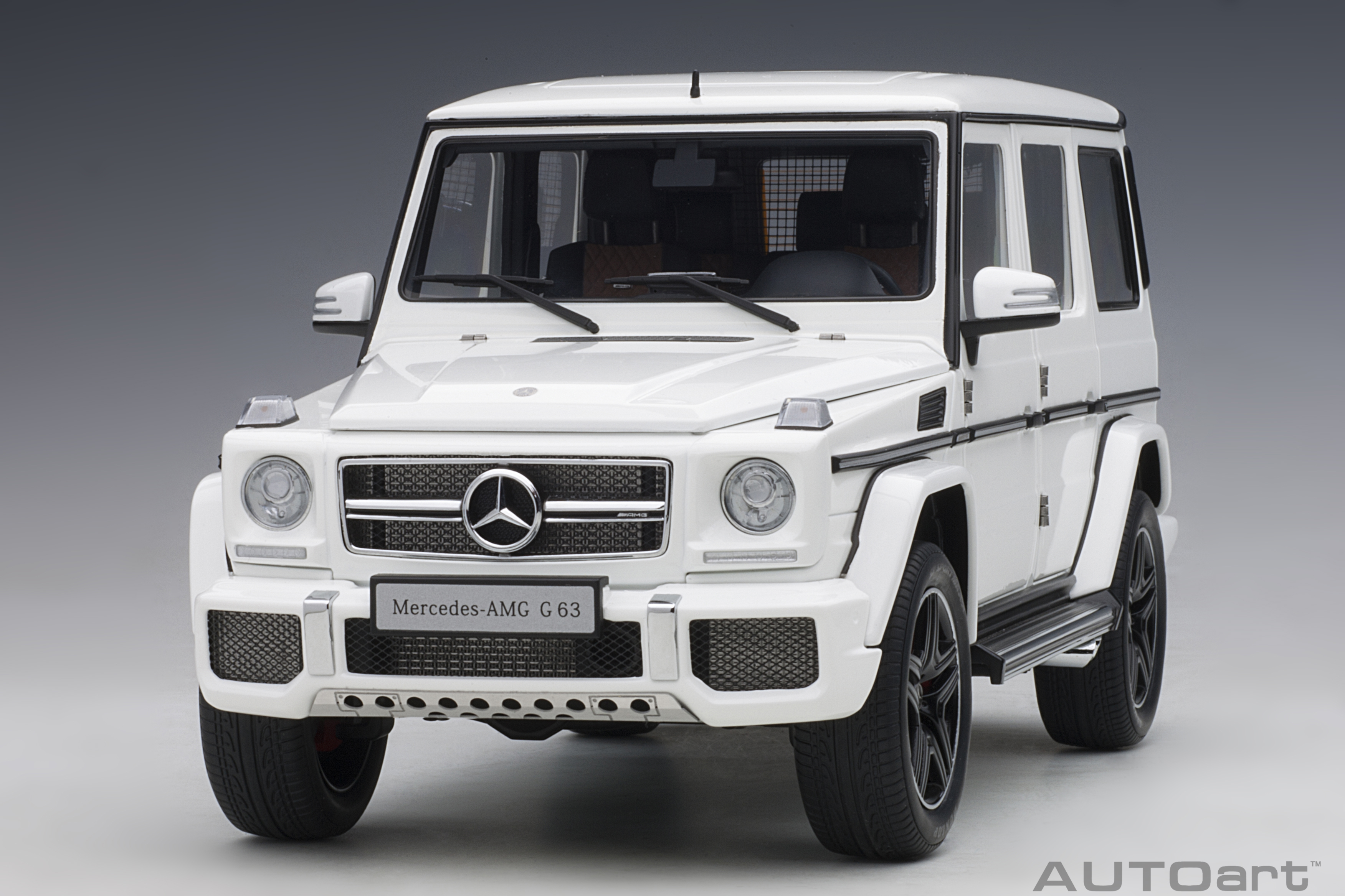 autoart 76321 modellauto mercedes benz g63 amg white 1 18. Black Bedroom Furniture Sets. Home Design Ideas