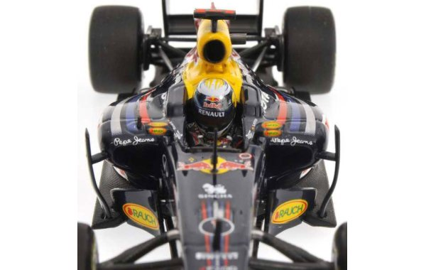 Bild 3 - Red Bull Racing RB7 Sebastian Vettel 2011