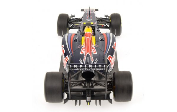 Bild 3 - Red Bull Racing RB7 Mark Webber 2011