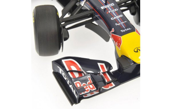 Bild 6 - Red Bull Racing RB7 Mark Webber 2011