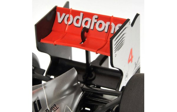 Bild 4 - Vodafone McLaren Mercedes MP4-26 2011