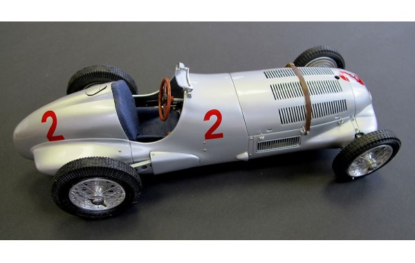 Bild 3 - Mercedes-Benz W125 GP Donington 1937