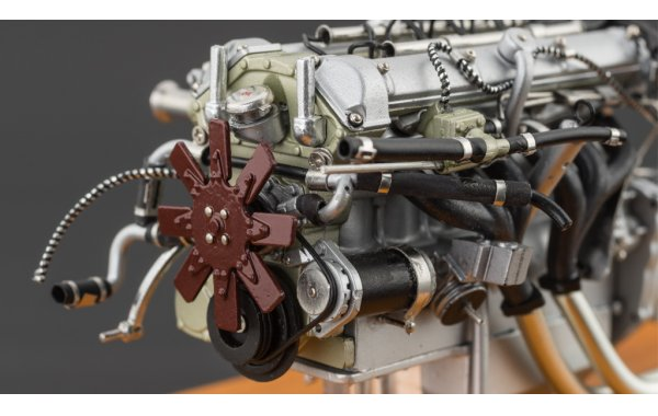 Bild 5 - Aston Martin DB4 GT Zagato 1961 Engine with Showcase