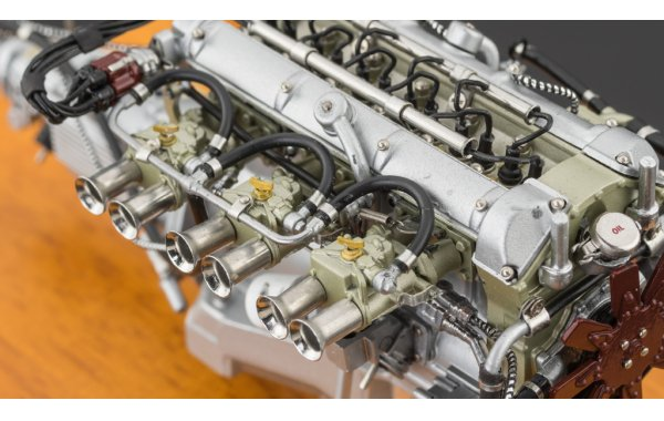 Bild 6 - Aston Martin DB4 GT Zagato 1961 Engine with Showcase