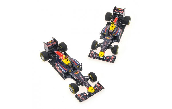 Bild 2 - Red Bull Racing RB7 2-Car Set Constructor World Champion 2011
