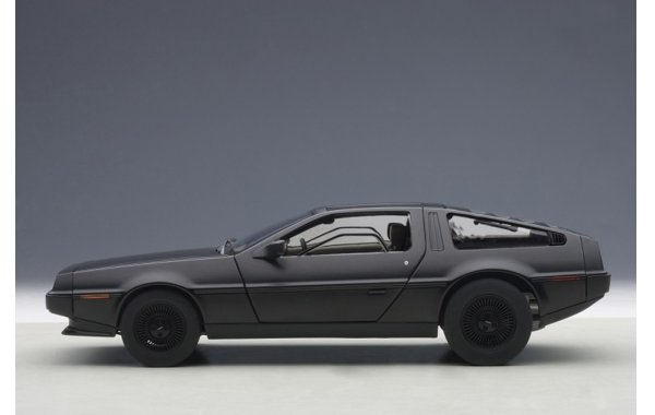 Bild 2 - DeLorean DMC-12 1981