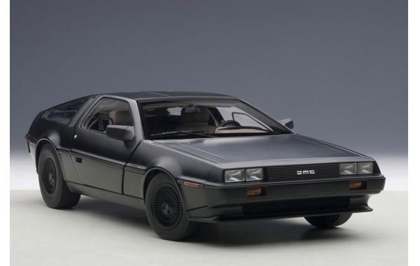 Bild 3 - DeLorean DMC-12 1981