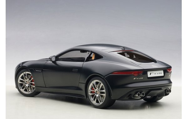 Bild 8 - Jaguar F-Type R Coupe 2015