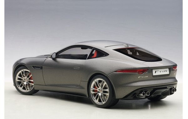 Bild 2 - Jaguar F-Type R Coupe 2015