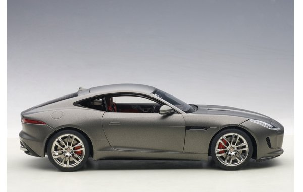 Bild 14 - Jaguar F-Type R Coupe 2015