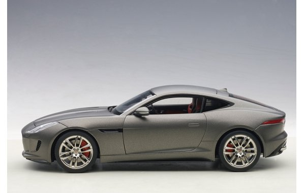 Bild 15 - Jaguar F-Type R Coupe 2015