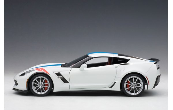 Bild 3 - Chevrolet Corvette C7 Grand Sport 2017 Composite Model