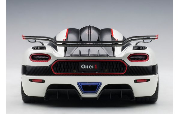 Bild 4 - Koenigsegg One 1 Composite Model 2014