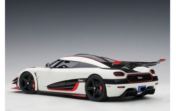 Bild 8 - Koenigsegg One 1 Composite Model 2014
