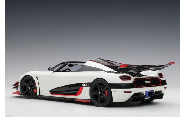 Bild 9 - Koenigsegg One 1 Composite Model 2014