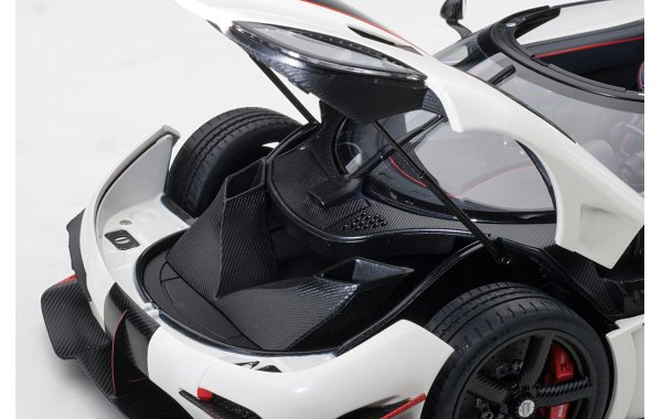 Bild 17 - Koenigsegg One 1 Composite Model 2014