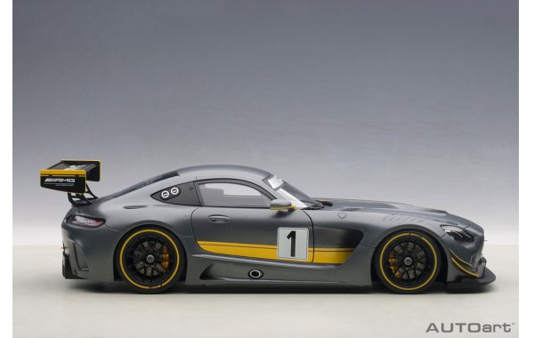 Bild 4 - Mercedes Benz AMG GT3 Presentation Car