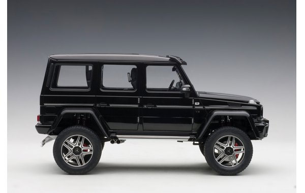 Bild 10 - Mercedes Benz G500 4x4 2016 Autoart Model