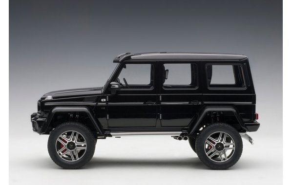 Bild 11 - Mercedes Benz G500 4x4 2016 Autoart Model