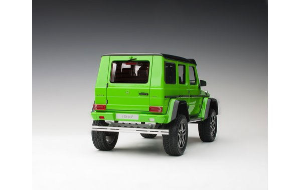 Bild 13 - Mercedes Benz G500 4x4 2016 alien green