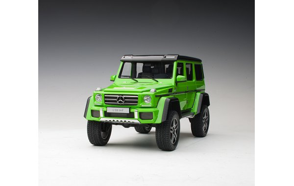 Bild 14 - Mercedes Benz G500 4x4 2016 alien green