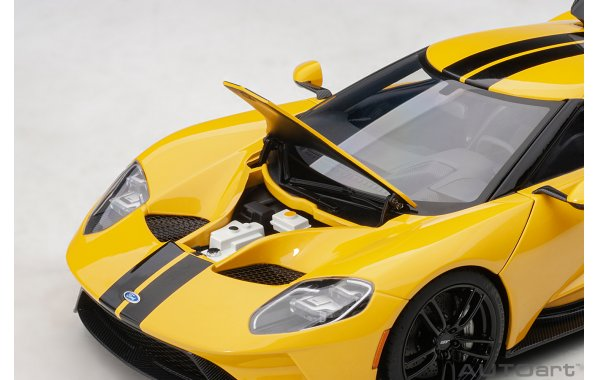Bild 2 - Ford GT 2017 tripple yellow