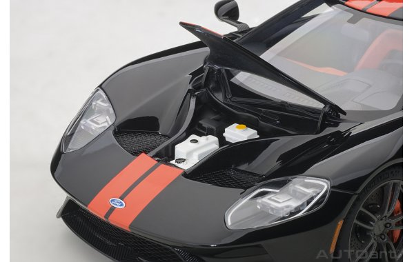 Bild 3 - Ford GT 2017 shadow black