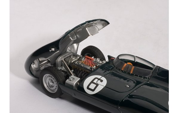 Bild 3 - Jaguar D Type LeMans 24 winner 1955