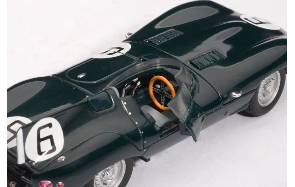 Bild 7 - Jaguar D Type LeMans 24 winner 1955
