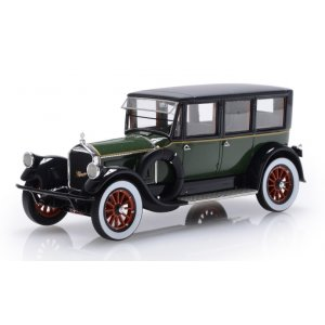 Pierce Arrow Model 32 7-Seat Limousine green black 1920